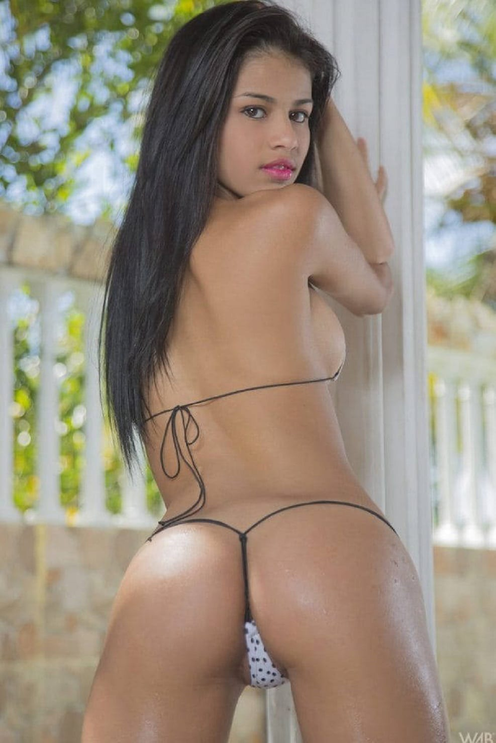 latina-girl-pics-group-sexy-woman